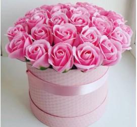 Розовые розы в коробке 31 штука